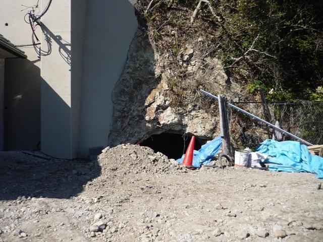 地下工場壕口