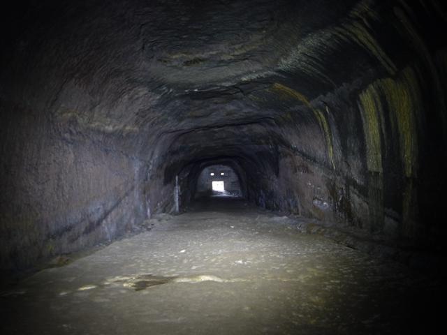 貝山地下壕B通路