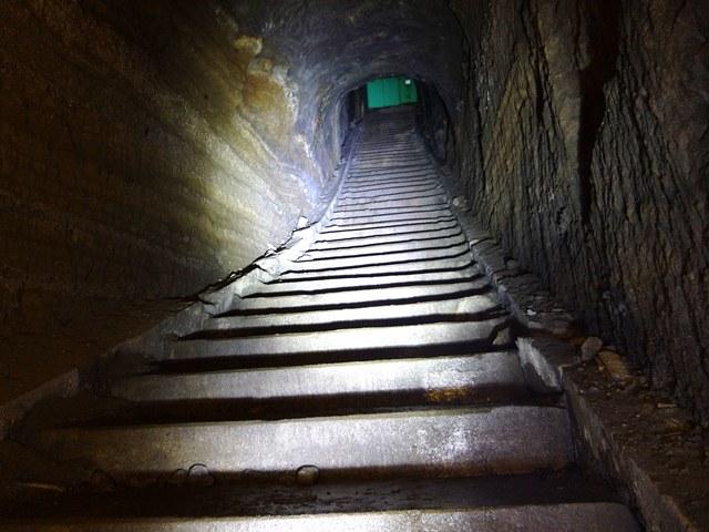 貝山地下壕B階段
