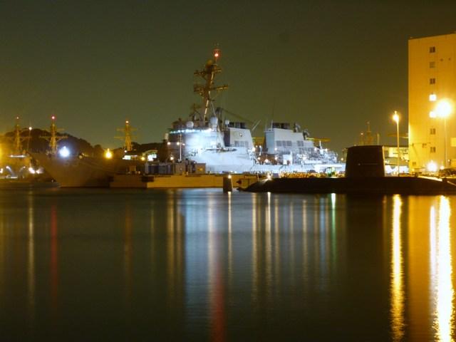 米艦艇と海自潜水艦