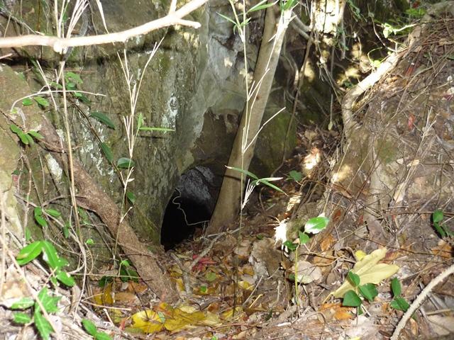 埋もれた穴2