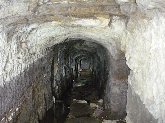 浜諸磯洞窟砲台通路