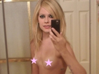 Avril Lavigne(アヴリル・ラヴィーン)の自分撮りヌード画像が流出?