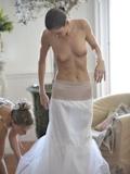 ウェディングドレス セクシー画像 11