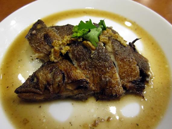 愛知産鮎の素揚げ、陳皮風味香科煮