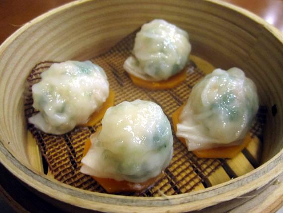 海老、セロリ入りの蒸し餃子