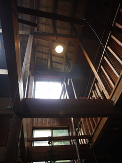 木造で天井が高い_R