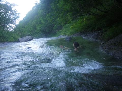湯の滝で遊ぶ_R