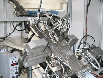 スプリングサイズ検査選別機