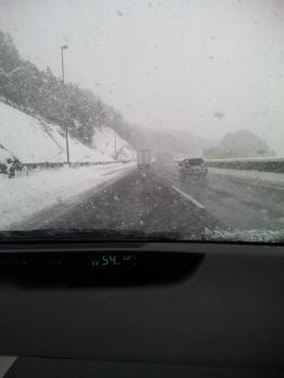 関ヶ原インターチェンジで大雪に