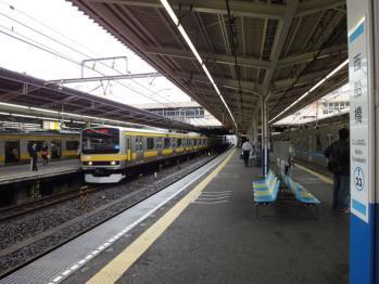 JR総武線・東京メトロ東西線の西船橋駅です。