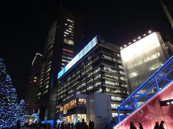新宿駅南口で夜間撮影 02