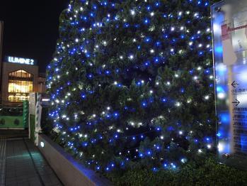 新宿駅南口で夜間撮影 03