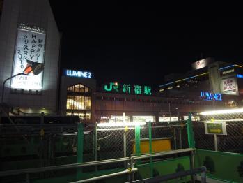 新宿駅南口で夜間撮影 05
