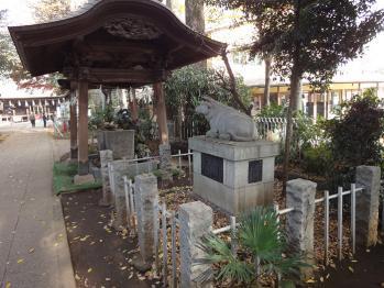小平神明宮の隣は幼稚園でした。
