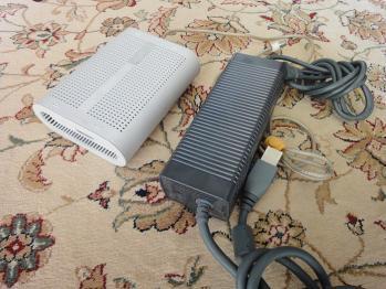 Power Mac G4 CubeのACアダプターとXBOX360のACアダプター