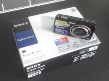 購入したSONYのDSC-WX1です。