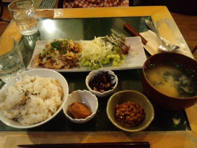 オジヤカフェの生姜焼き定食☆