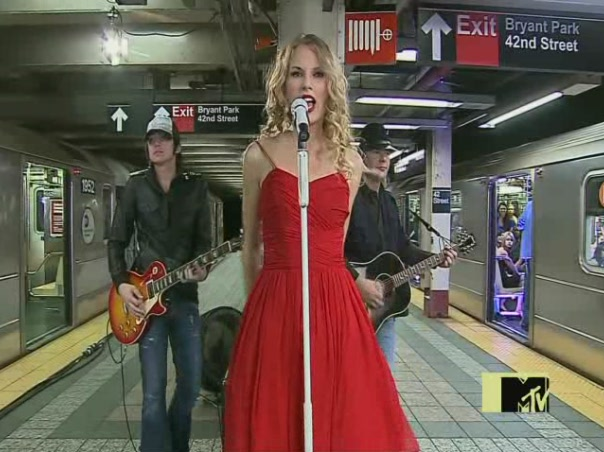 Taylor Swift 2009 You Belong with Me #2 (21)