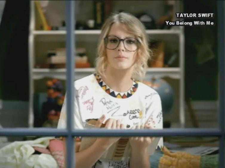 Taylor Swift 2009 You Belong with Me #2 (2)