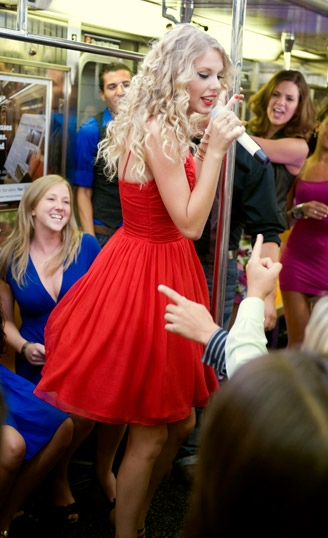 Taylor Swift 2009 You Belong with Me A (05)