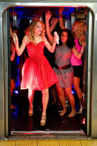 Taylor Swift 2009 You Belong with Me A (13A)