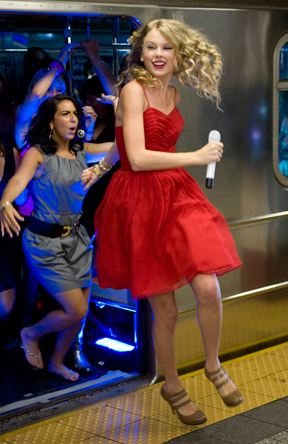 Taylor Swift 2009 You Belong with Me A (14)