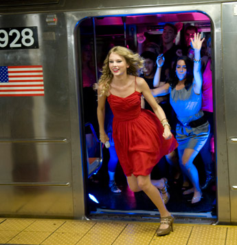 Taylor Swift 2009 You Belong with Me A (15)