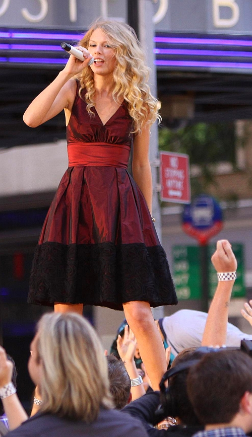 Taylor Swift 2009 You Belong with Me A (22)
