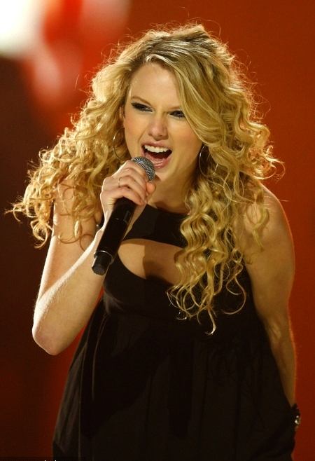 Taylor Swift 2008 Picture to Burn (11)