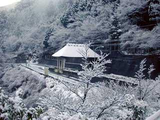 雪のトールゲート
