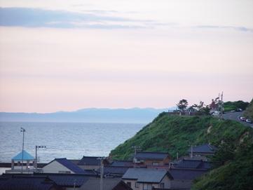 近くに佐渡ヶ島