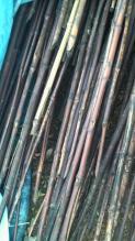 以前、近所の方から譲って貰った真竹の煤竹