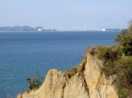 鳴門大橋を遠望する