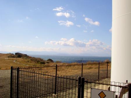 鳴門海峡に面した絶好の風況の立地のハズだが…