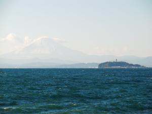 江の島バックに富士山
