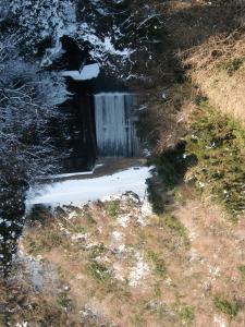 観測ポイントの滝