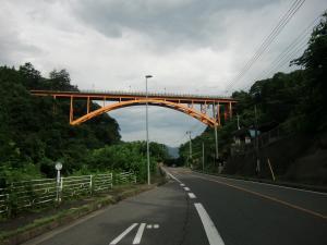 温泉街手前の橋