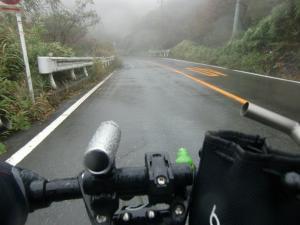 B 雨が…しんどい