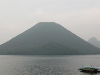 山の上の山