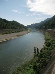 富士川を渡って