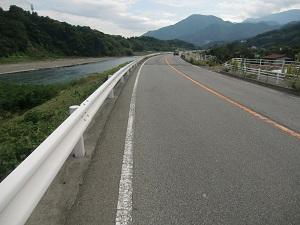 帰りは富士川沿い