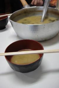 みそ汁鍋ごと(爆)
