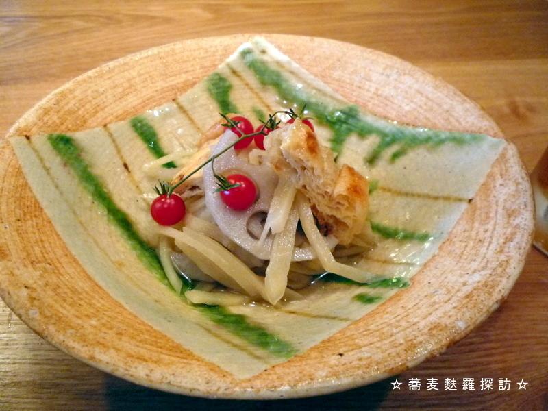 13.本郷 蕎麦切 森の (新生姜と蓮の煮びたし)
