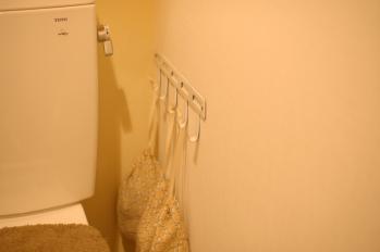 トイレ 左側に下地があるらしい