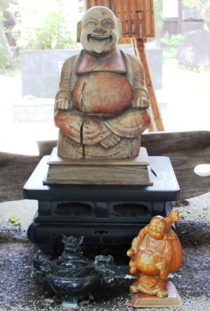 獅子林院_石段上の木像_H26.07.15撮影