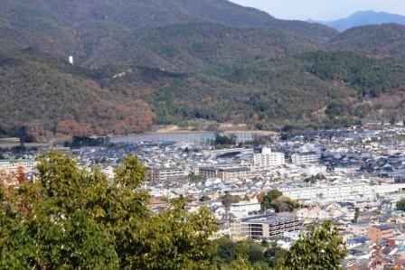 山頂から見た広沢池_H26.12.07撮影