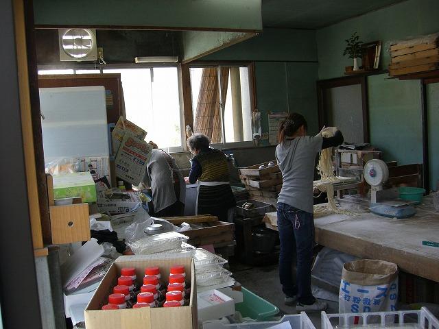 s-2010.3.22店内12:17
