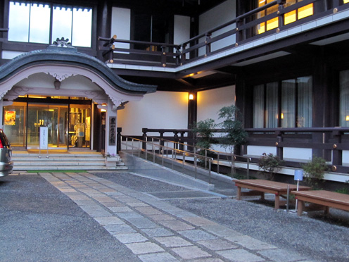 霊山歴史館1