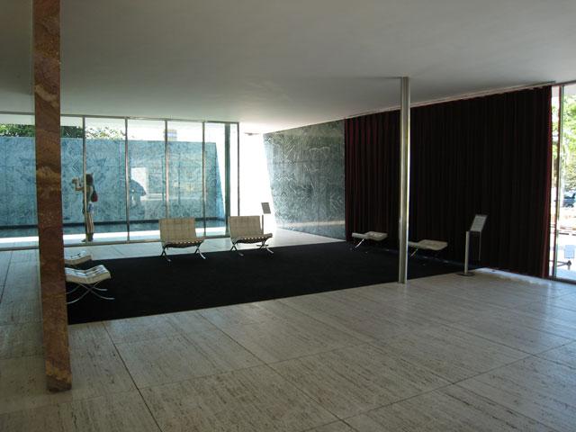 バルセロナパビリオン内観